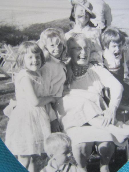 Flossie & her grandchildren
