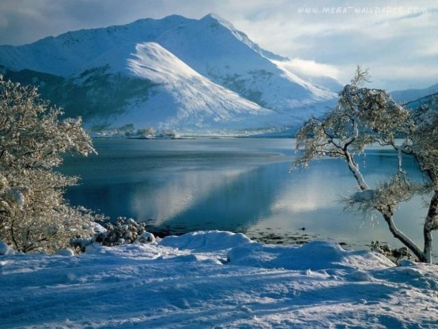 scotland_mountains_winter_lake