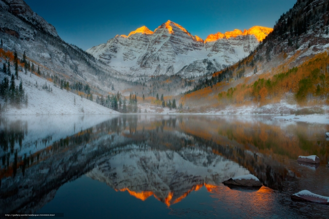 maroon-bells-sunrise-in-winter