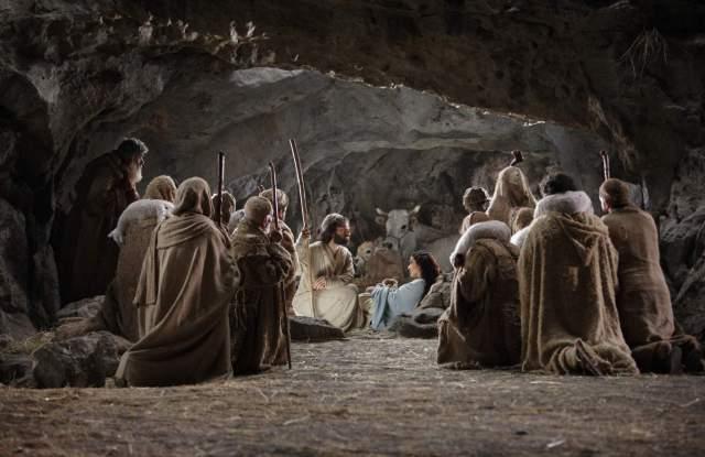 nativity-story-gathering