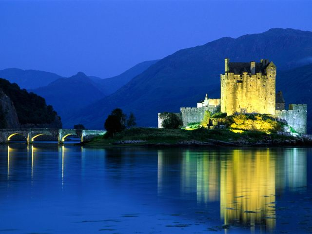 eilean-donan-castle-loch-duich-scotland