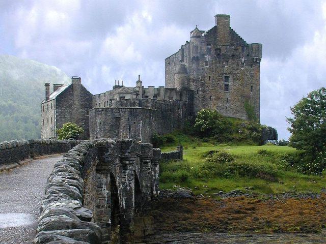 eilean-donan-castle-scotland-1