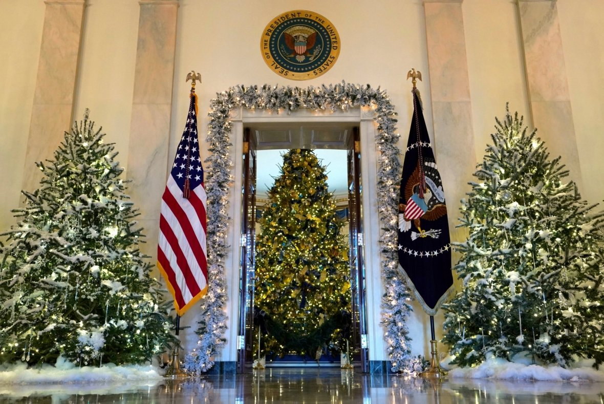 First look christmas at the white house stella s place